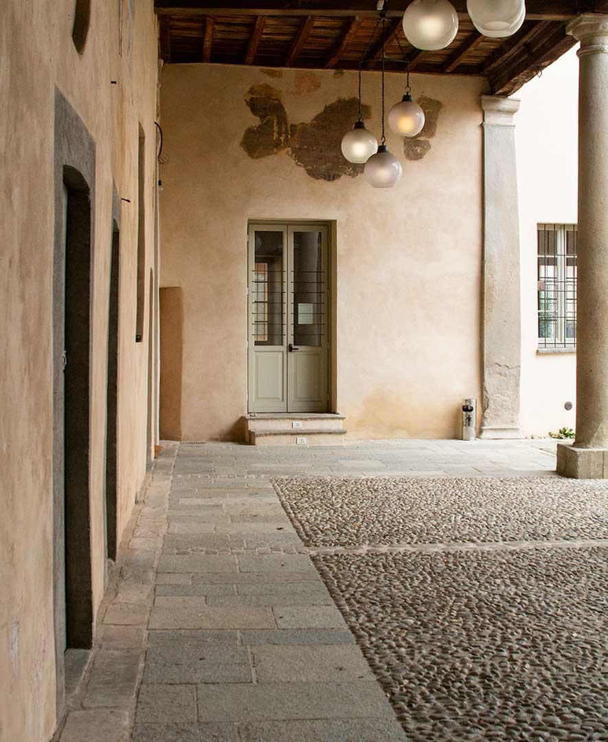 Villa ca de bossi a biassono monza e della brianza cortile coperto maltempo party affitto location spazio eventi